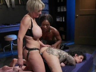 Ana Foxxx, Dee Williams and Arabelle Raphael in DP Three-Way