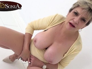 Big tit mature Lady Sonia has such a filthy mind