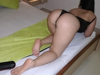 Boyfriend fucks the hotest girlfriend in a motel while she is twerking