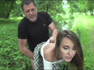 Old man hardcore fucking young girl fucks her pussy and mouth