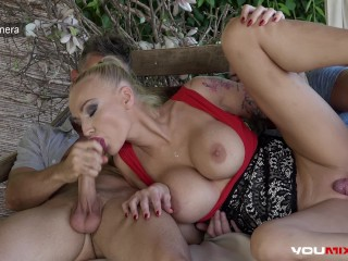YOUMIXPORN Gorgeous Milf Kayla Green fucked savagely by two guys
