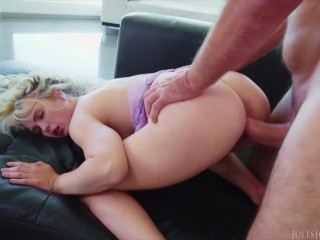 Jules Jordan - Hottie Lilly Bell Gets Fucked & Frosted