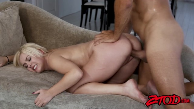 Teen slut Summer Day bouncing on cock after sucking it