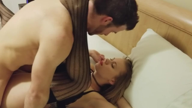 Wife 1st Time Getting Fucked by Muscular Bull while Cuck Hubby Films (Full)