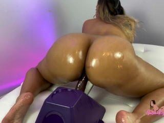 Big Oiled Latina Ass Riding Dildo And Twerking - SelenaRyan