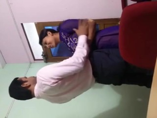 indian office great fuck scandal caught in the camera bymanager Shweta aror